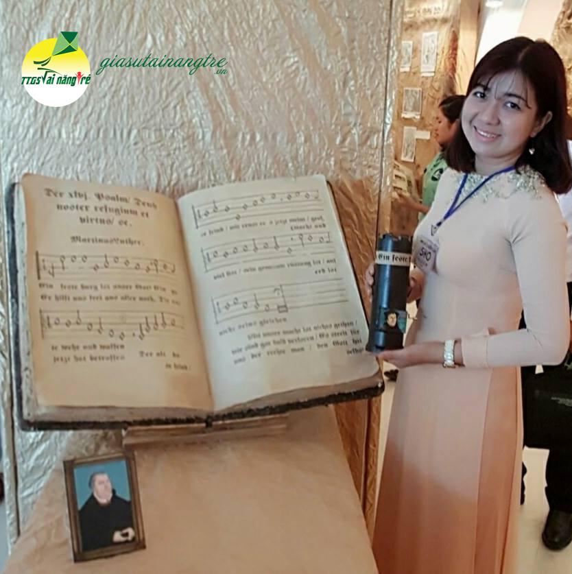 GIAO VIEN DAY PIANO