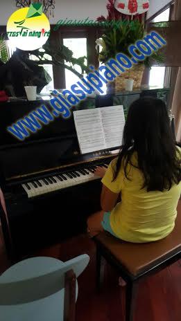 hoc piano tai nha