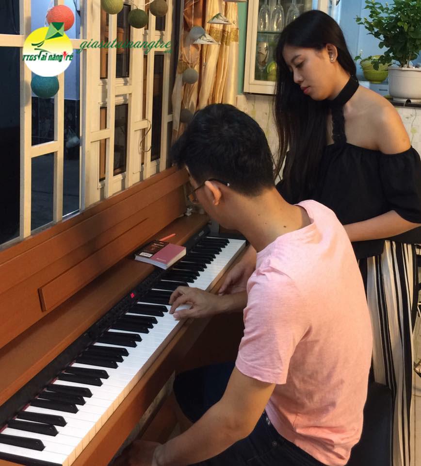 CÔ TRAM GIAO VIEN PIANO ORGAN