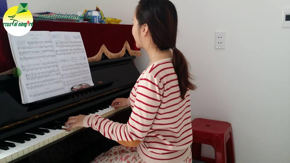 hoc piano guitar tai nha