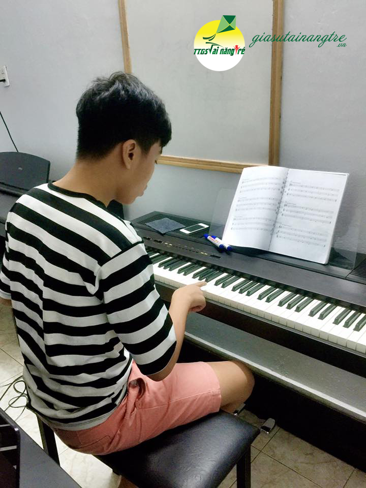 day guitar piano tai nha