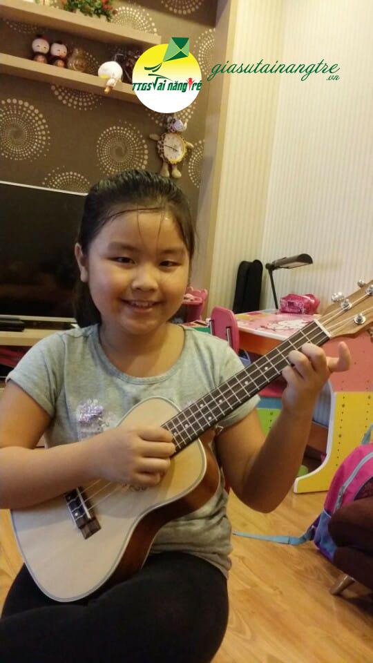 hoc dan ukulele tai nha