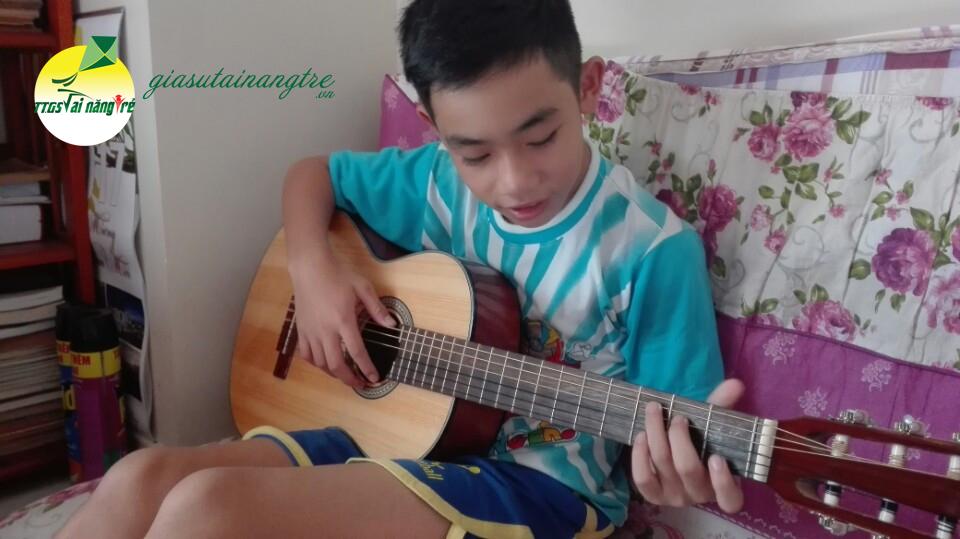 hoc guitar tai nha hcm
